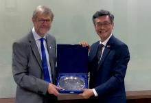 Dundee Principal Professor Sir Pete Downes and NUS President Professor Tan Eng Chye