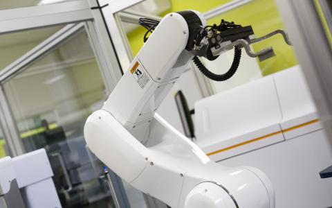 National Phenotypic Screen Centre Robot